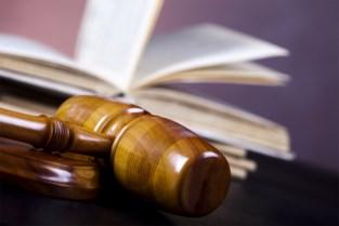 Twee 'Coronaspuwers' krijgen celstraffen en boete