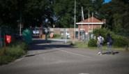 """Zeven bewoners testen positief in asielcentrum: """"Ze zijn volledig geïsoleerd in een apart blok"""""""