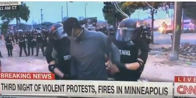 Politie Minneapolis arresteert CNN-journalist en zijn ploeg tijdens uitzending