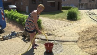 Aannemer schenkt opgepompt grondwater aan buurt