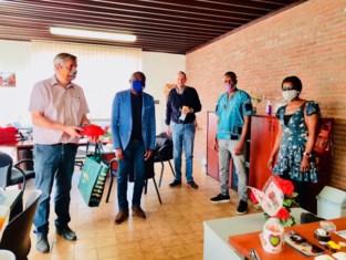 Afrikaanse gemeenschap steunt BOM met mondkapjes