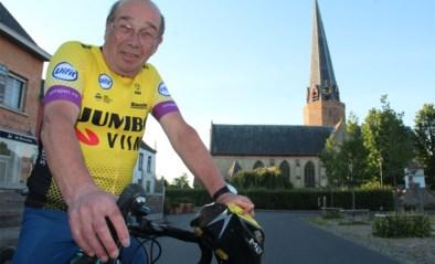 """'Werkloze' pastoor fietst elke dag eigen route na dubbele operatie: """"Zelfs een beetje content dat kerk gesloten is"""""""