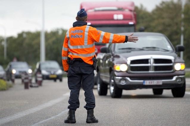 """Korpschefs en burgemeesters in grensstreek misnoegd over openstellen grenzen: """"Niemand was op de hoogte, wij mogen het weer opkuisen"""""""
