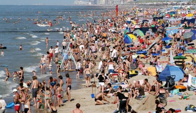 Van touwen tot cabriocabines, zo kan je deze zomer aan de Belgische stranden zonnekloppen