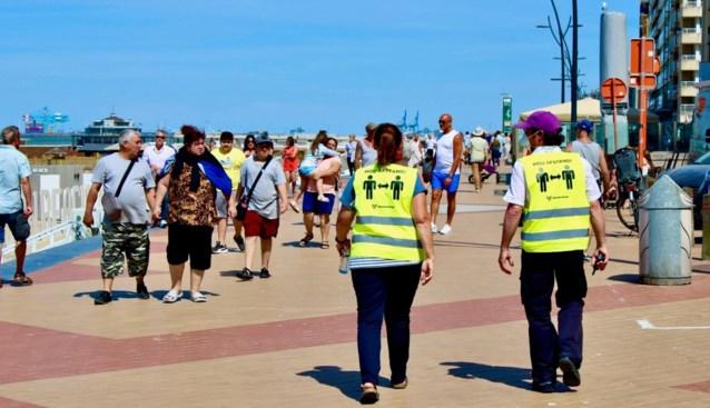 """Geen volkstoeloop, wel opvallend meer volk aan de kust: """"Drukke winkelstraat afgesloten, sommigen scholden politie uit"""""""