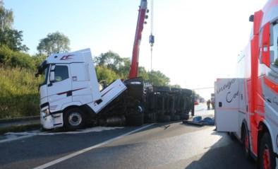 Tankwagen gekanteld, bestuurder ongedeerd