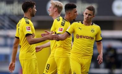Dortmund-Belgen scoren en laten scoren in ruime zege tegen rode lantaarn