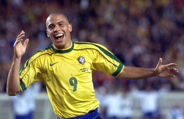 """De Braziliaanse Ronaldo zet een Belg in zijn top vijf met beste voetballers: """"Maar Messi is natuurlijk de nummer één"""""""
