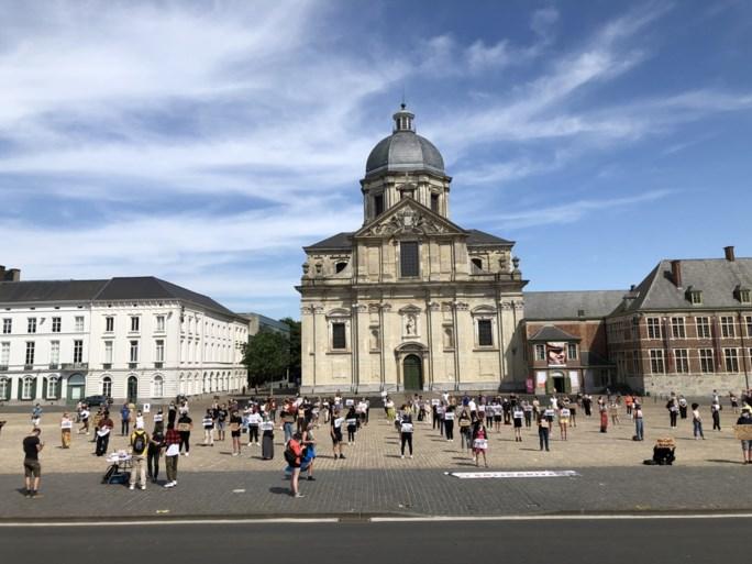350-tal betogers op Sint-Pietersplein, boetes voor organisatoren