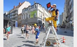 Animatie in winkelstraten en veel volk op strand: alles lijkt weer normaal aan de kust