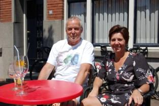 """Belgen trekken massaal de grens over: """"Blij dat we nog eens een terrasje kunnen doen"""""""