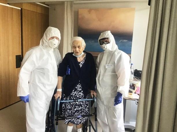 """Oudste corona-overlever van het land (103) nu toch overleden: """"Haar onstuimigheid is haar fataal geworden"""""""