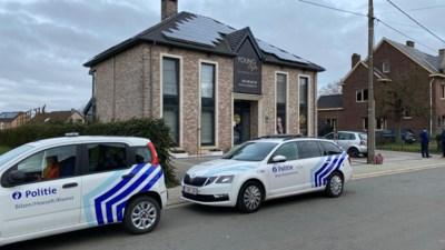 Faroek en politie zoeken overvaller die kapster gijzelde in Riemst