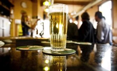 """AB Inbev heeft app gemaakt om veilig een pintje te kunnen bestellen: """"Ook afrekenen kan contactloos gebeuren"""""""