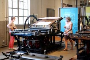 Brusselse zussen op post bij heropening Speelkaartenmuseum