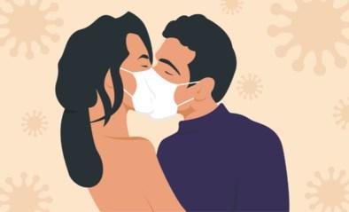 """Universiteit van Harvard roept op om jezelf te beschermen tegen corona: """"Vrij met een mondmasker"""""""