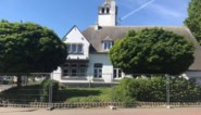 Markant oud-gemeentehuis in de steigers