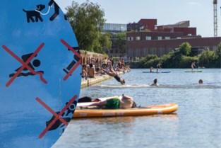 Hier wordt massaal gezwommen, maar het mag écht niet: extra verbodstekens aan nieuwe hotspot