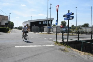Automatisch groen voor fietsers aan sas in Lembeek