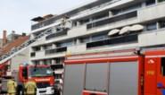 Bewoners flatgebouw geëvacueerd door brand op onderste verdieping