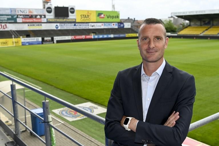 """Nicky Hayen (39) voorgesteld als nieuwe trainer: """"Waasland-Beveren opnieuw in een positief daglicht stellen"""""""