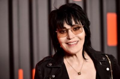Ze werd wereldberoemd toen ze haar liefde voor rock 'n roll verkondigde. Hoe zou het nog zijn met... Joan Jett?