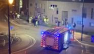 """Schade van vorige botsing is nog niet hersteld, of er knalt alweer een wagen tegen flatgebouw: """"Ze rijden hier gewoon veel te snel"""""""