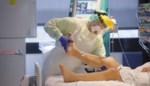 Coronagrafiek in woon-zorgcentra en ziekenhuizen daalt