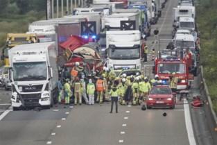 Na zoveelste ongeval op E17: extra signalisatie moet chauffeurs helpen