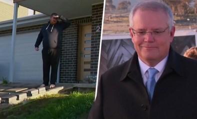 """Speech Australische premier onderbroken door bezorgde bewoner: """"Van het gras blijven graag, ik heb pas gezaaid"""""""