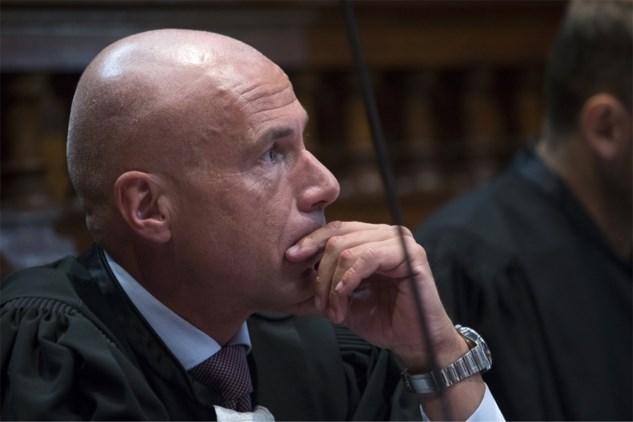 Het enfant terrible van de Antwerpse advocatuur: hoe een lading coke als een zwaard van Damocles boven Pol Vandemeulebroucke hangt
