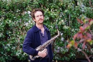 """Neef Wim De Craene maakt furore als saxofonist: """"Ooit vindt professor Gobelijn pil uit die mijn muziek mainstream maakt"""""""
