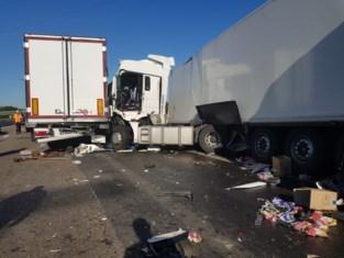 """Daarom zijn er zo veel zware ongevallen op E17: """"Nóg meer verkeersborden plaatsen zal niet helpen"""""""
