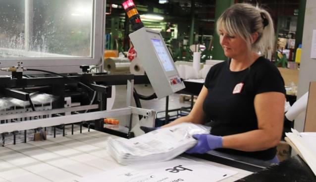 """Bedrijf legt zich toe op het maken van dunnere en recycleerbare verpakkingsplastic: """"Klant wil hier meer voor betalen"""""""