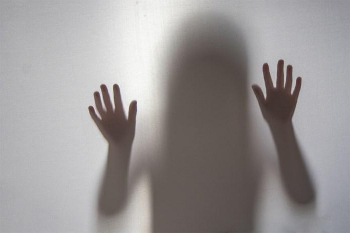 Man die tot twee keer toe ex met mes bedreigt, blijft in de cel