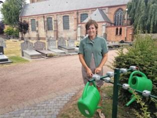 Nu verdwijnen zelfs de gieters van het kerkhof in Sint-Laureins