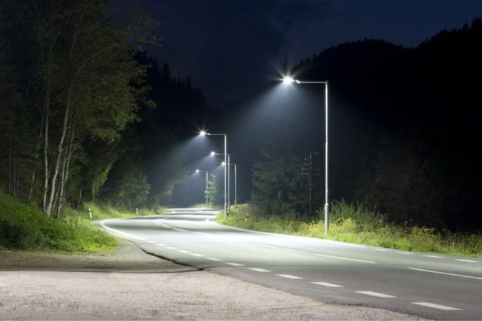 Straatverlichting 's nachts gedoofd