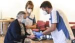 """Pas nu weten we echt hoeveel rusthuisbewoners zijn overleden aan corona: """"Onderschat in welke mate personeel een infectiebron was"""""""