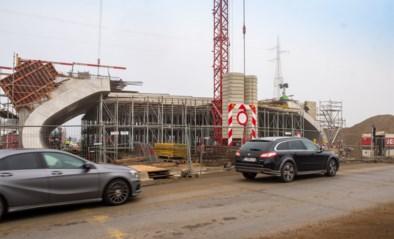 Werken aan zwart kruispunt R6 in Mechelen afgerond