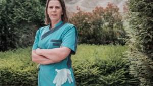 Inge Oeyen is 42 jaar en is zorgkundige in woon-zorgcentrum (70%). Hoeveel zou zij verdienen?
