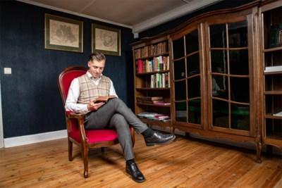 """Tom (27) woont zoals eeuw geleden: """"Eindelijk huis gevonden waar meubels van mijn grootouders bij passen"""""""