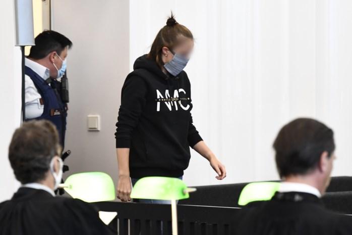 """Na twee jaar ontkennen vertelt Megan (20) in muisstille assisenzaal hoe ze Chelsea (2) vermoordde: """"Ik was kwaad. Op iedereen"""""""