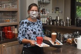 """Fieneke serveert eerste koffies sinds lockdown: """"We hebben een goede start gemaakt"""""""