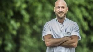 Bert Van Heupen is 33 jaar en is hoofdverpleegkundige in AZ Turnhout. Hoeveel zou hij verdienen?