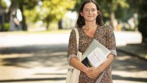 Jessie Gevaert is 25 jaar en is doctoraatsstudent aan Vrije Universiteit Brussel. Hoeveel zou zij verdienen?