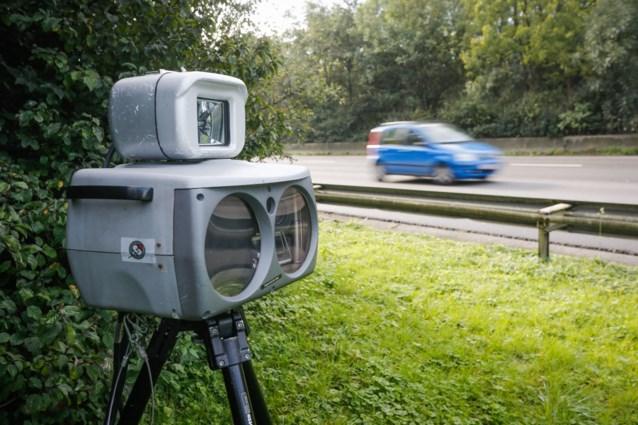 Politie houdt flitscontroles, één op vijf bestuurders rijdt te snel