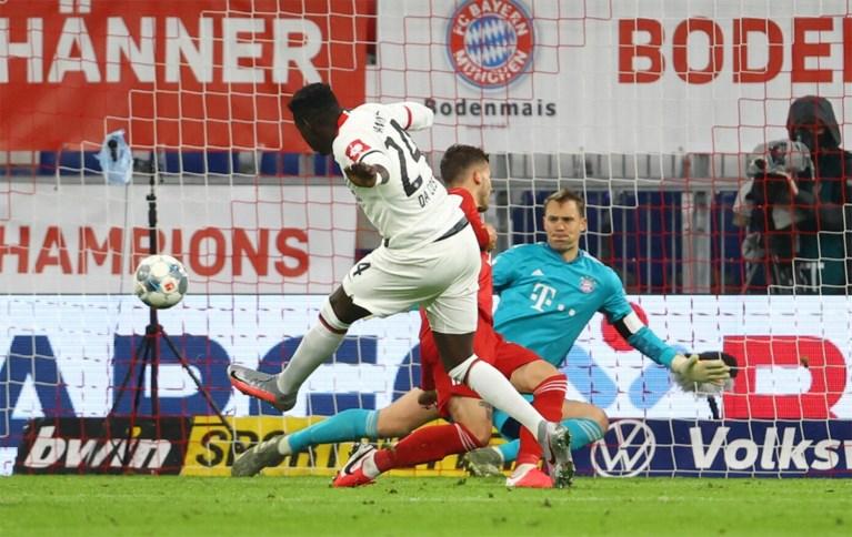 Dodelijk duo Müller-Lewandowski doet het opnieuw voor Bayern, dat op koers blijft voor 'treble'