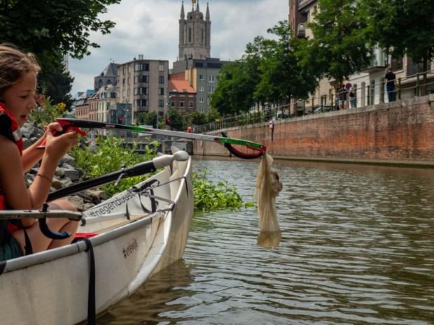 Jongeren leren 'vuilvissen' in Gent