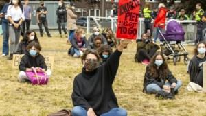 Actiegroep 'Kick Out Zwarte Piet' kondigt betogingen aan bij intochten van Sinterklaas in Nederland
