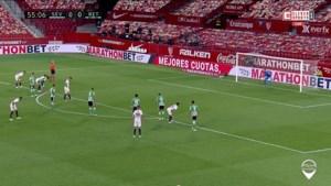 Sevilla heropent Spaanse competitie met 2-0 zege in stadsduel, onder meer dankzij heerlijke assist De Jong